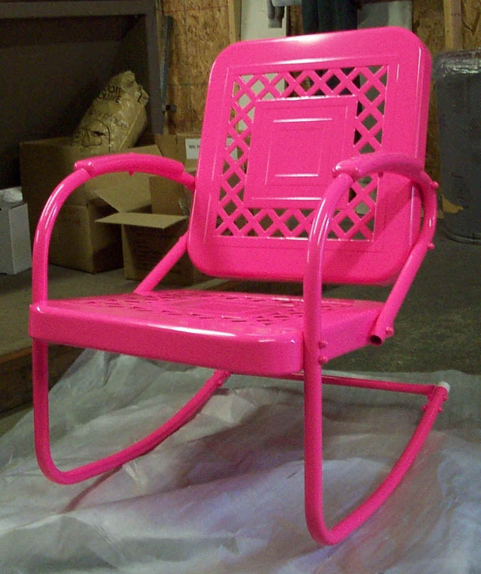 pink chair.jpg (487574 bytes)